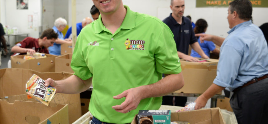 2015 Monster Energy Series Champion Kyle Busch Gives Helping Hand at Feeding South Florida
