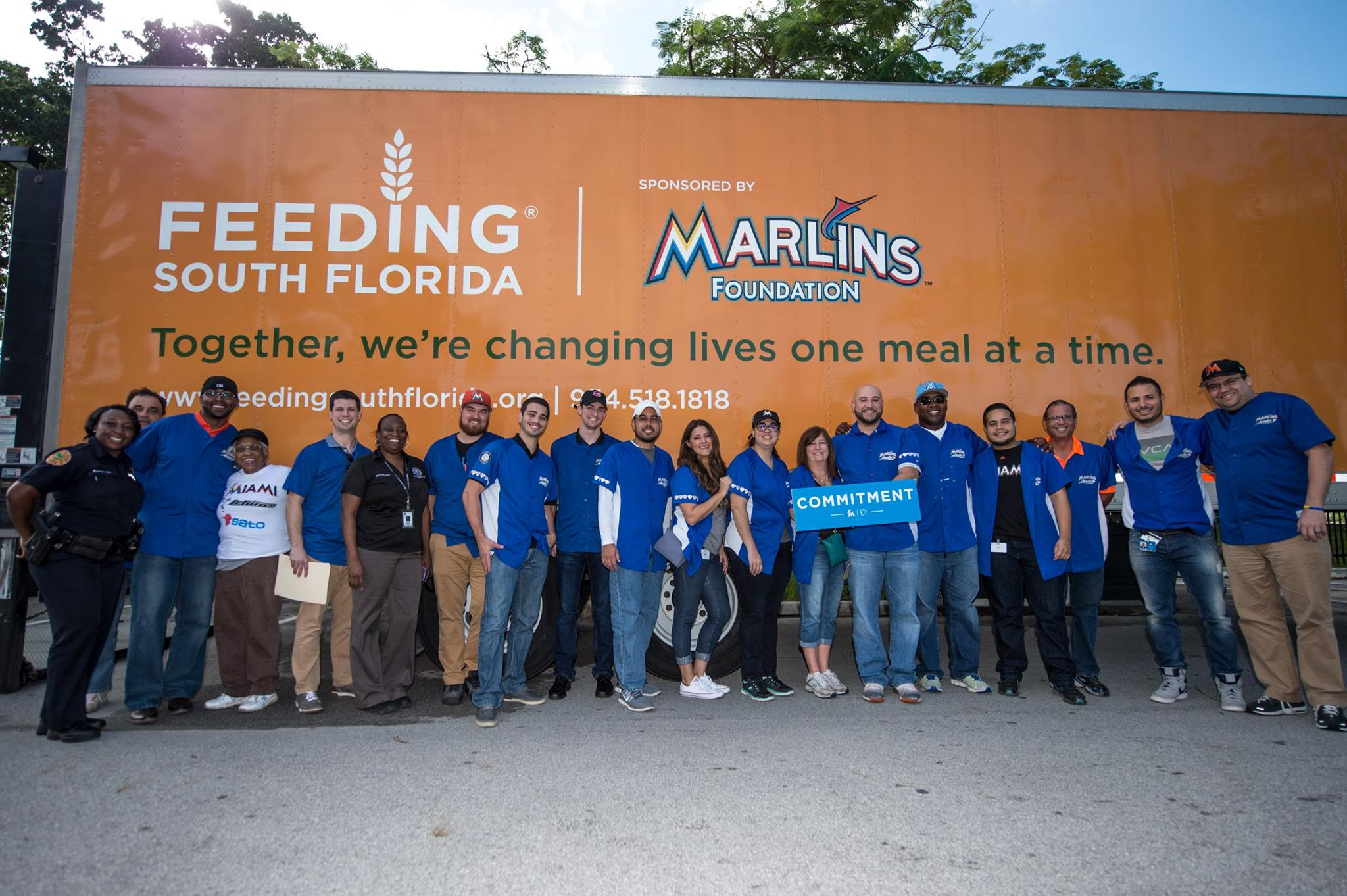 Marlins, Feeding South Florida hand out food for Give Miami Day