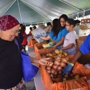 Event Brings Free Food to South Florida Families in Need