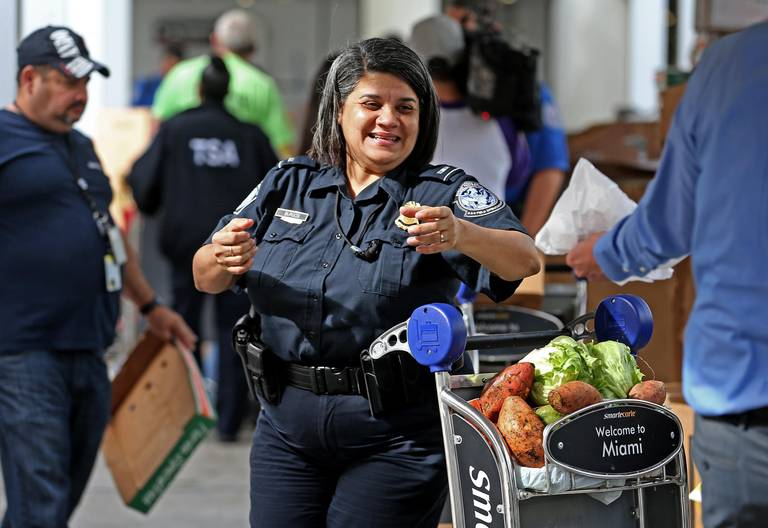 Federal Workers Impacted by Government Shutdown Get a Little Help from Feeding South Florida